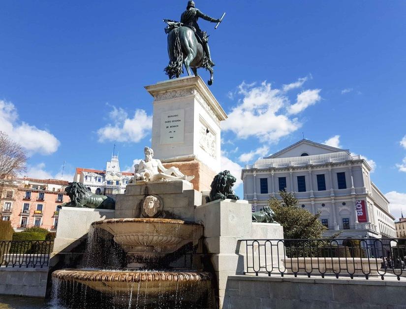 Fountain - Madrid_edited
