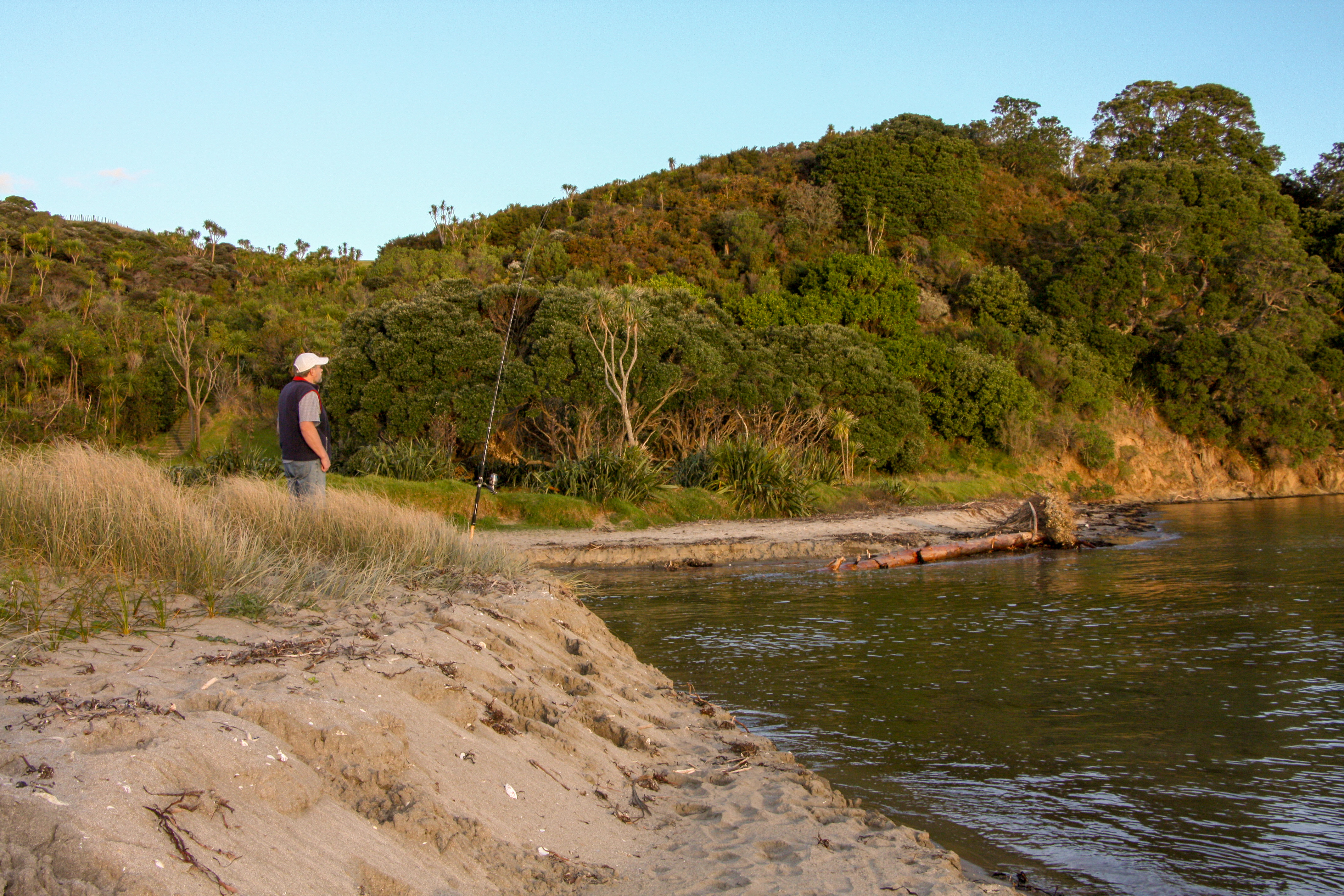 Les fishing Auckland Regional Parks.jpg2.jpg