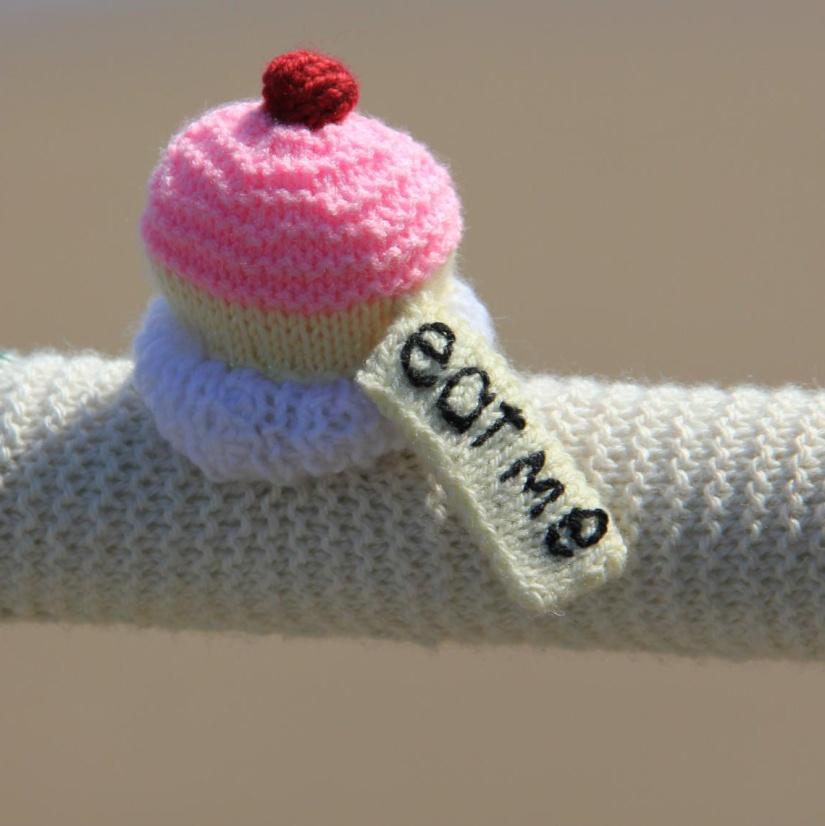 Eat me yarnbombing cupcake UK